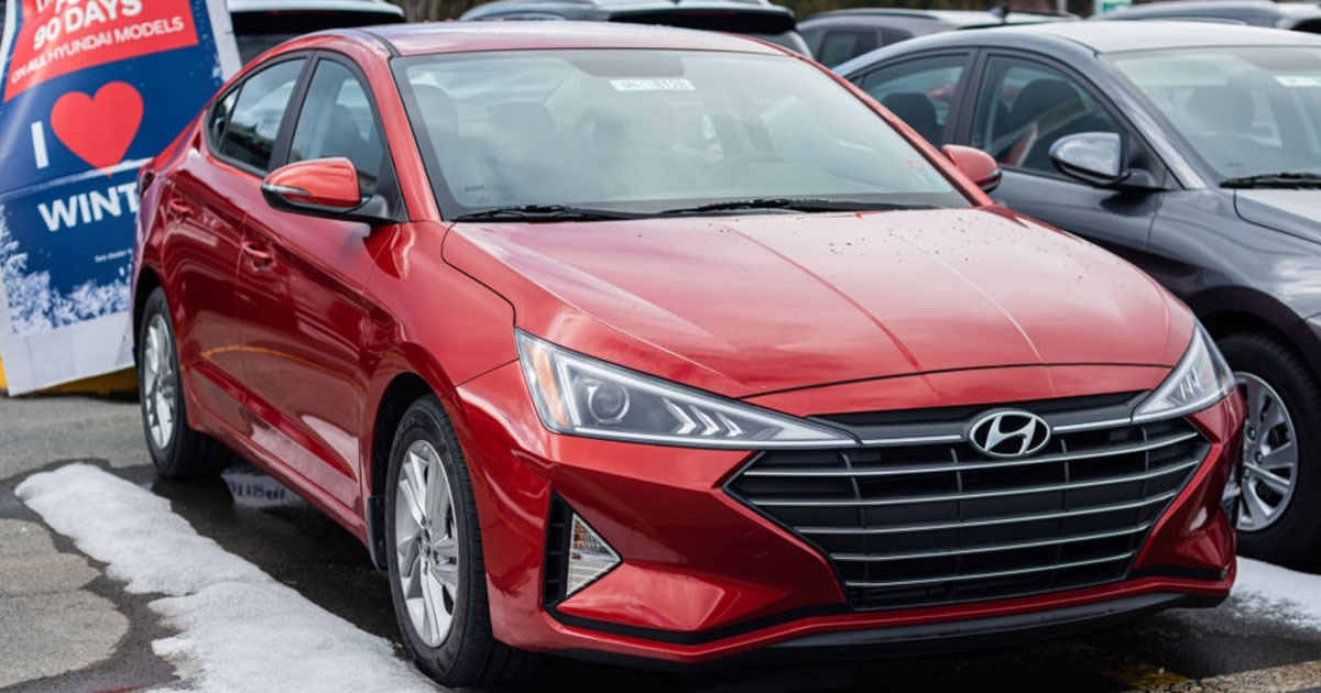Hyundai Elantra usado Venezuela 4