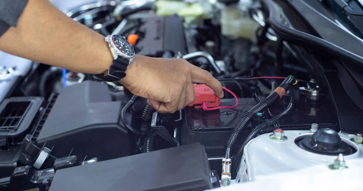 como cuidar bateria del carro 2