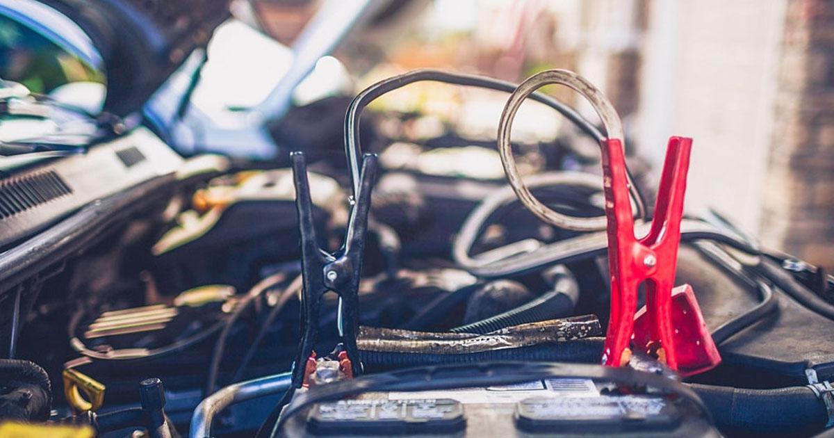 como cuidar bateria del carro 3
