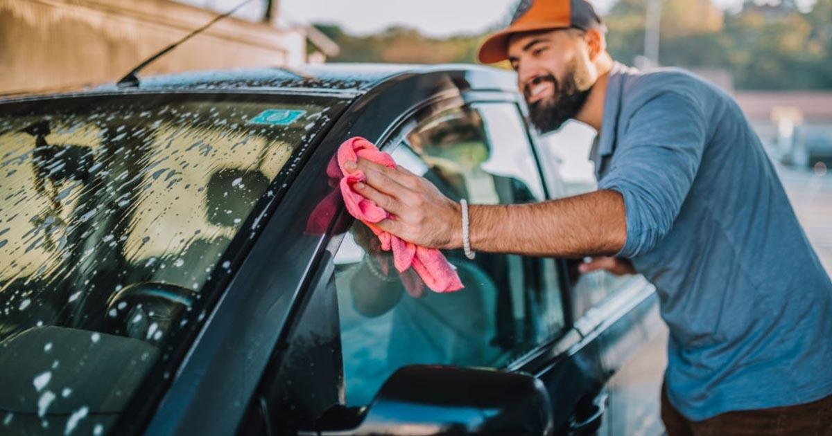 como lavar un carro 1