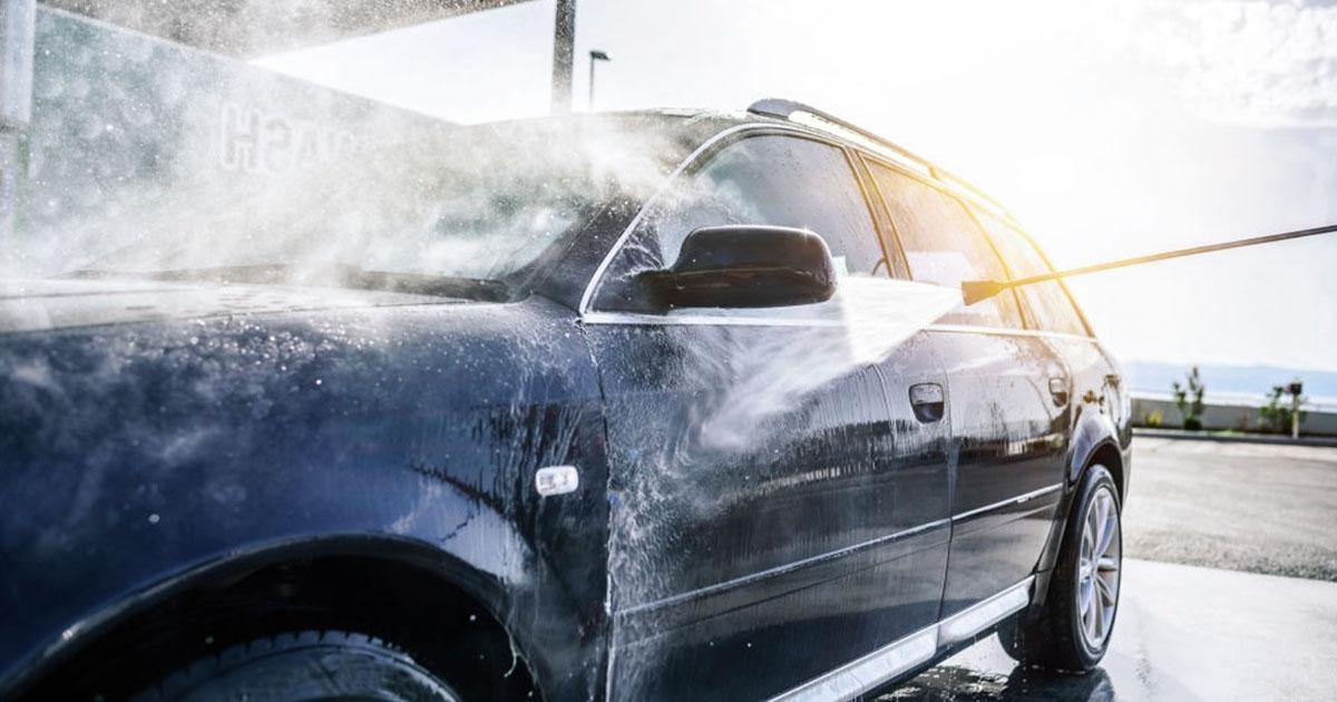 como lavar un carro 4