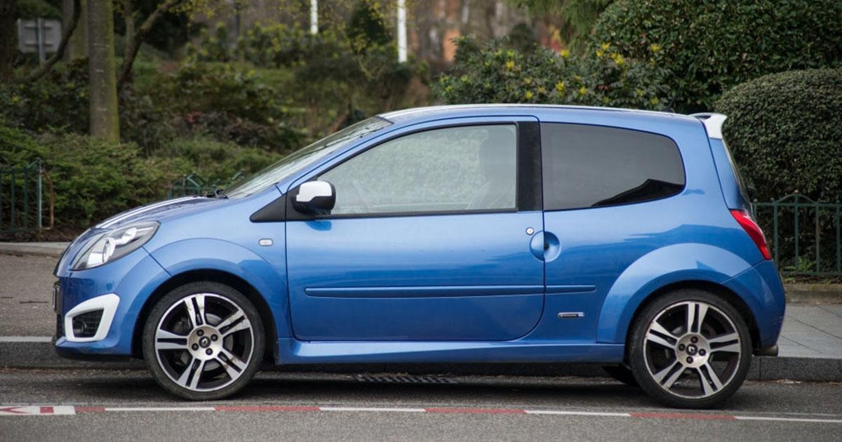 hermoso auto Renault Twingo azul