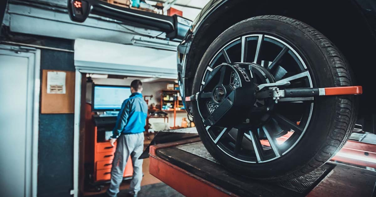 mantener alineados los neumáticos de tu carro