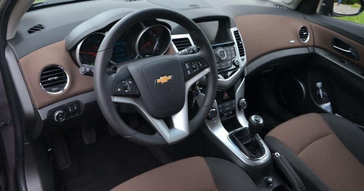 interior de los carros Chevrolet Cruze 2013