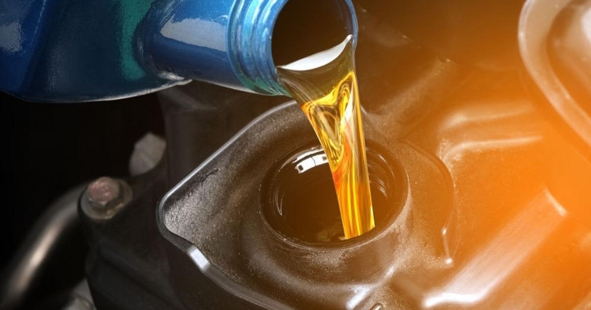 Recuerda cambiar tu aceite semi sintéticos de auto