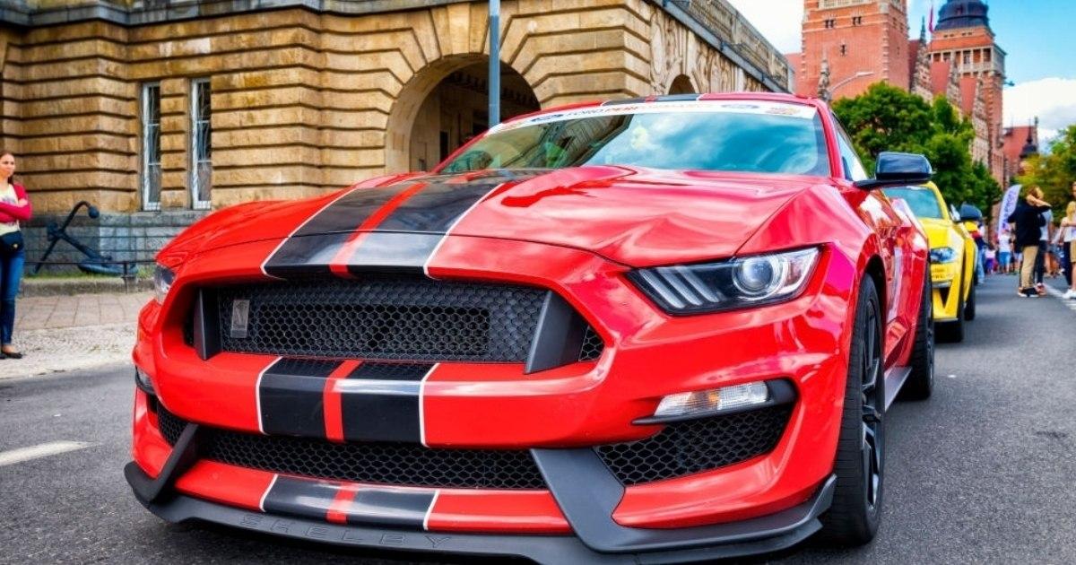 Descubre los autos Ford Mustang