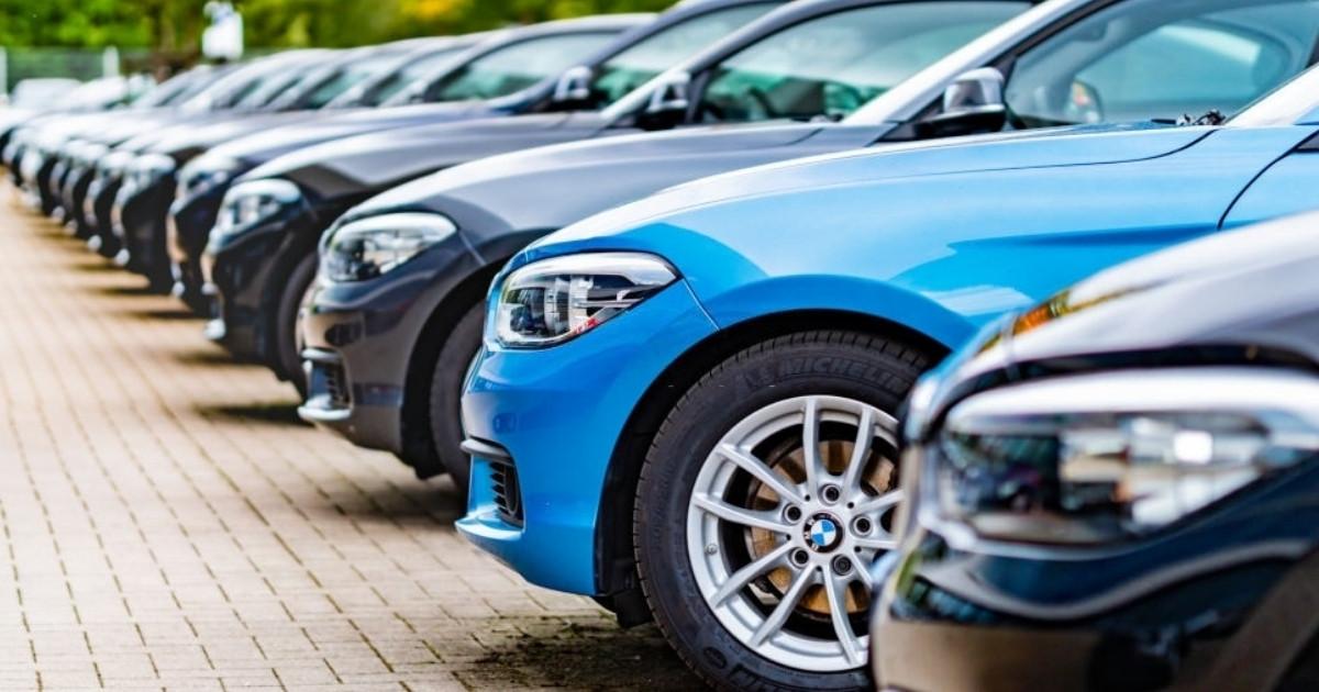Visita el concesionario de Usaditos Cars y adquiere tu vehículo BMW