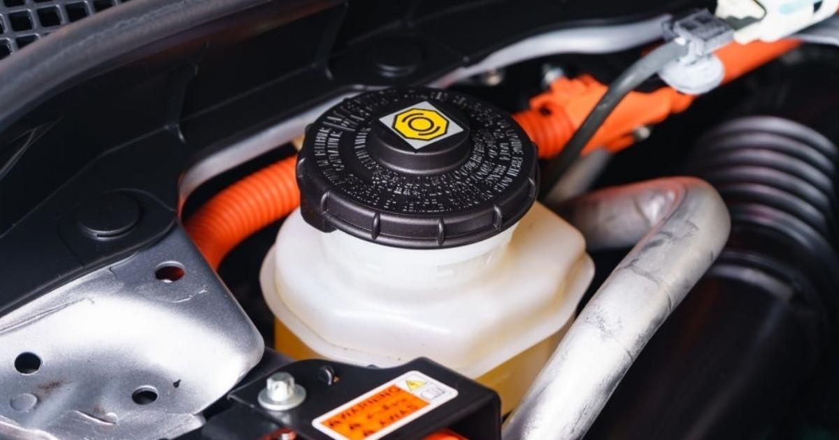 Que debes saber de los tipos de líquidos de frenos para autos
